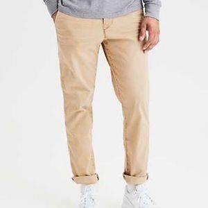American Eagle Outfitters Khaki Pants Size 31x32